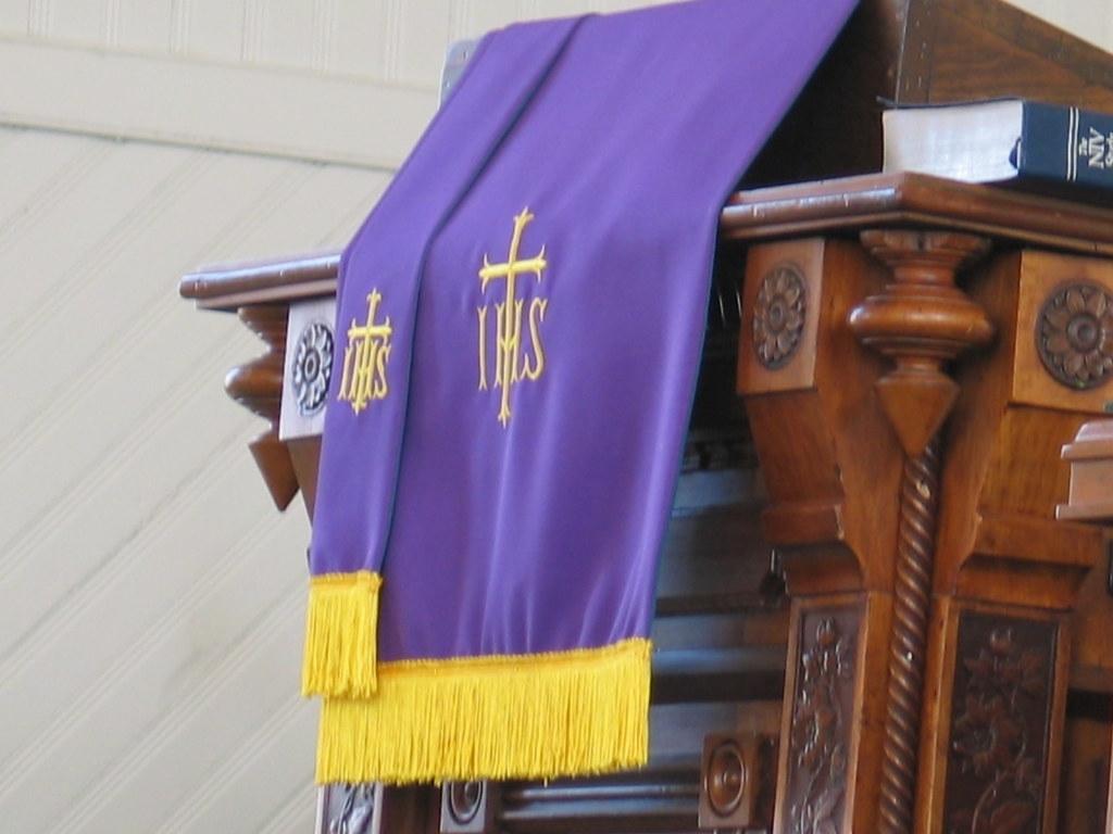 Purple Paraments - Adairsville First United Methodist Chur