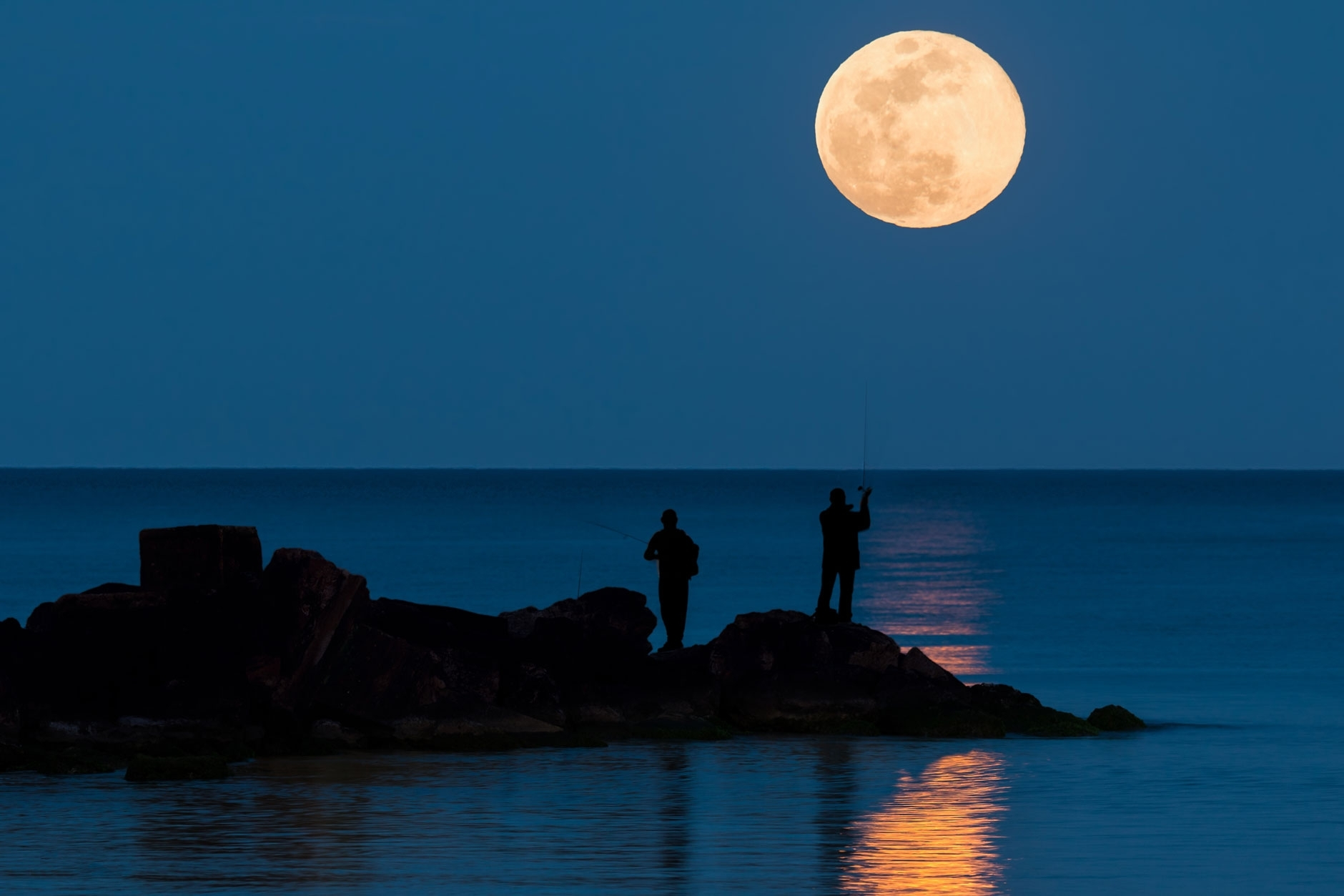 Do Phases Of The Moon Affect Fishing Conditions? - Farmers