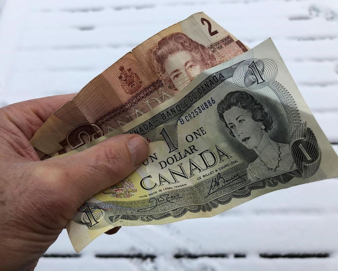 Final Countdown To Spend $1, $2 Bills In Stores As They Lose