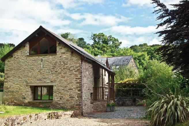 3 Bedroom Barn Conversion For Sale In Brixton, Plymouth, Pl8