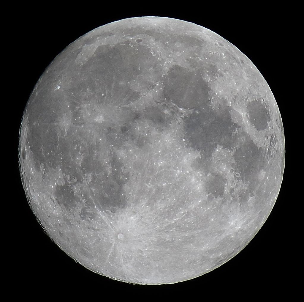 Full Hunter'S Moon, 100% Of The Moon Is Illuminated Taken
