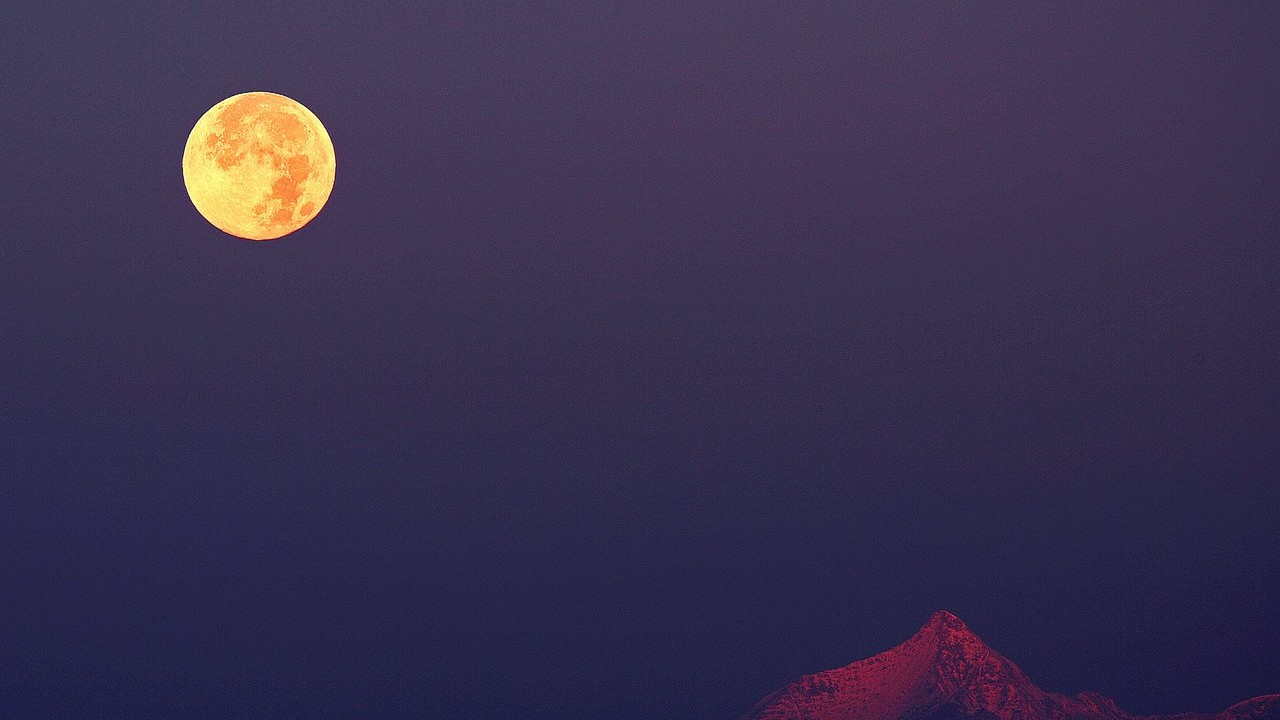 This Weekend'S Full Hunter'S Moon May Appear Larger, More